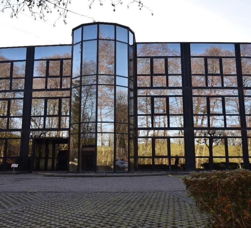 Mont-sur-Lausanne - Surfaces administratives et/ou commerciales Mont-sur-Lausanne - Administrative and/or commercial offices