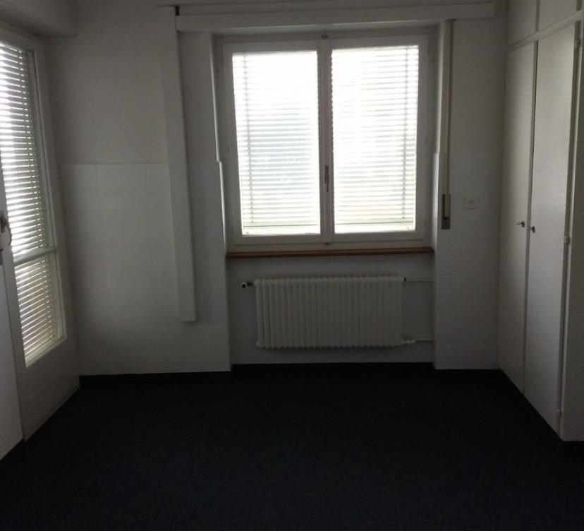 Locaux commerciaux / Bureaux 1er étage
