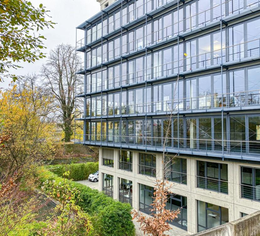 Bureaux d\'environ 482 m2 au 2ème étageOffices of around 482 m2 on the 2nd floor
