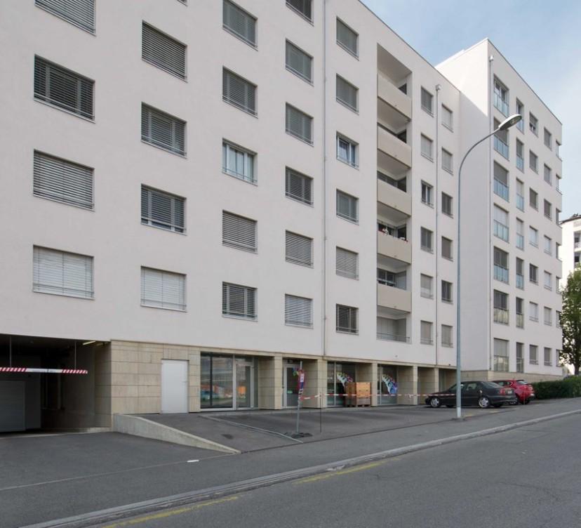 Appartement 4 pièces au 4ème étage - Proche ONU