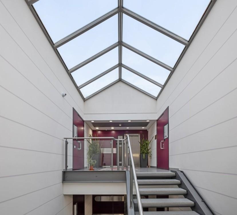 240 m2 - Bureaux au 1er étage240 m2 - Offices on the 1st floor