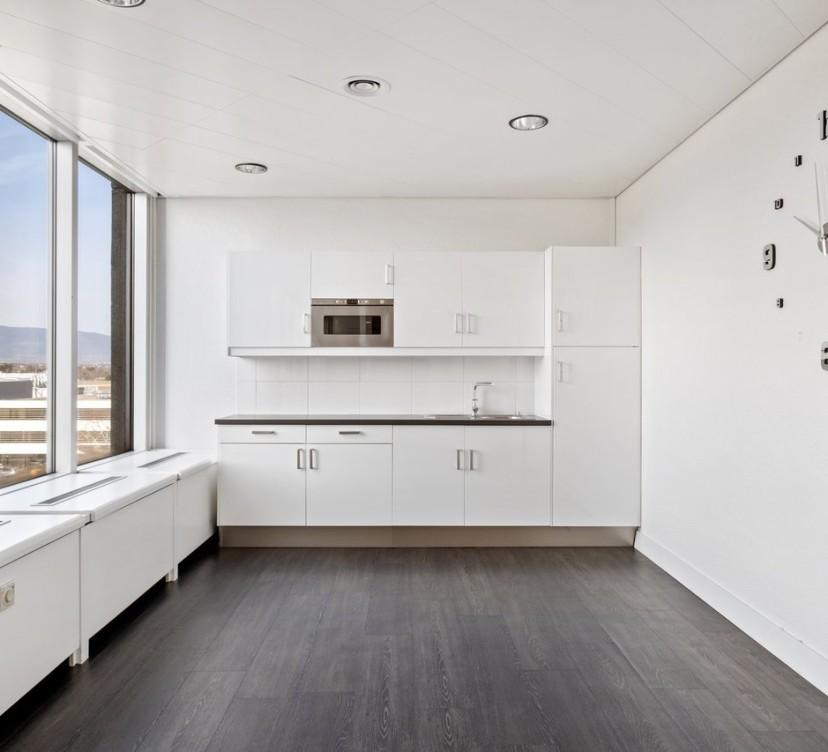 Bureaux d\'env. 655 m2 au 4ème étage d\'un immeuble de standingOffices of approx. 655 m2 on the 4th floor of a luxury building