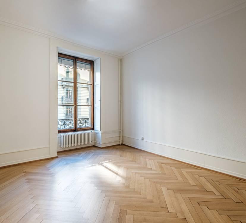 Bureau d\'environ 160 m2 au 1er étage