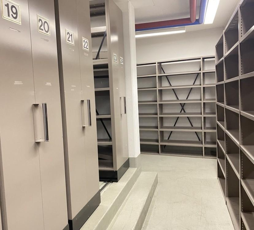 Dépôt au sous-sol d\'environ 183m2 à THONEXDeposit in the basement of approximately 183m2 at THONEX