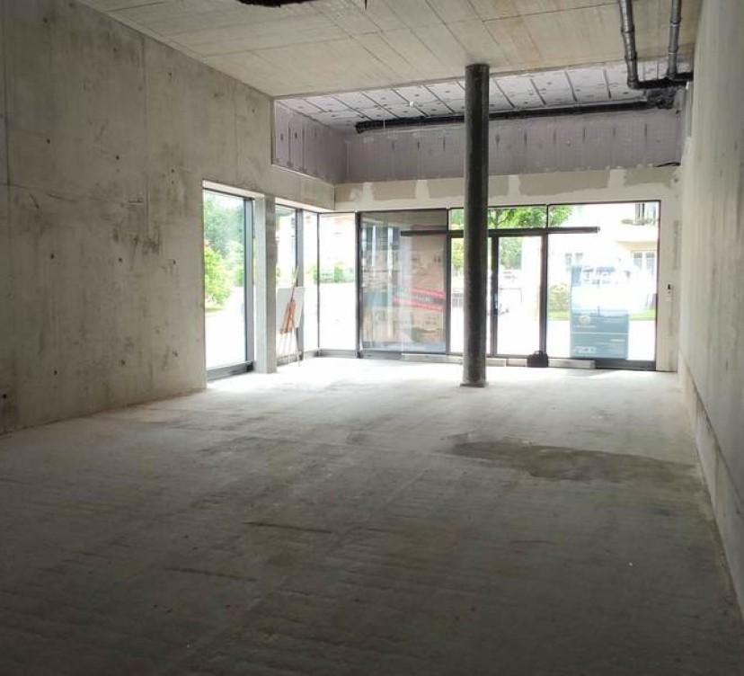 Surface commerciale neuve d\'env. 236 m2