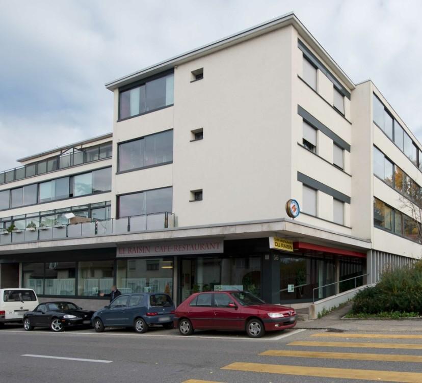 Charmant appartement de 3.5 pièces au 1er étage avec 2 loggias